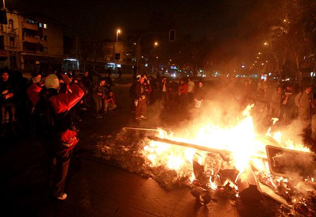 Barricadas y carabineros lesionados marcan conmemoración del ´´Once´´