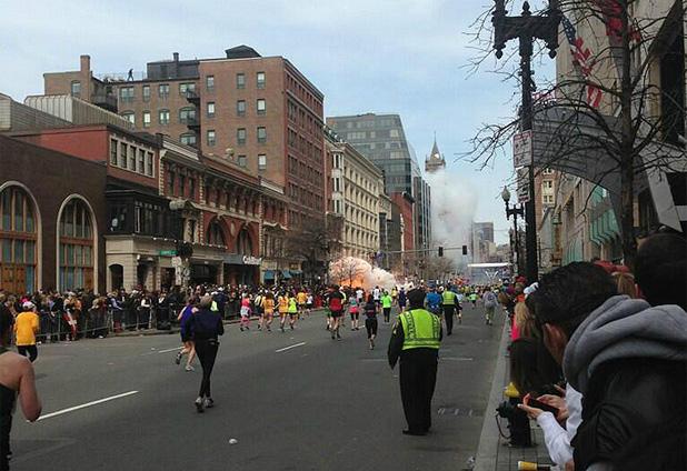 Pánico en el maratón de Boston tras dos explosiones