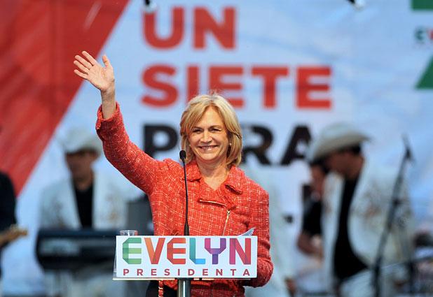 Matthei cierra su campaña diciendo que Chile está mejor que cuando Bachelet dejó el poder