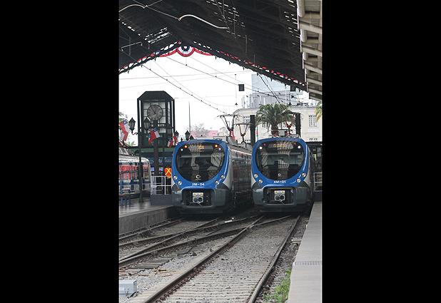 Grupo EFE exhibe sus nuevos trenes en Estación Central (Emol) 31144_13127_92372529