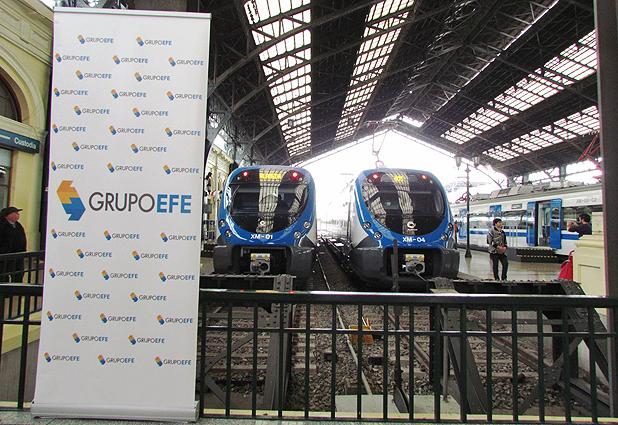 Grupo EFE exhibe sus nuevos trenes en Estación Central (Emol) 31144_29430_120545138
