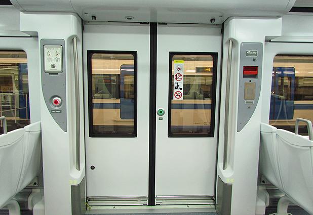 Grupo EFE exhibe sus nuevos trenes en Estación Central (Emol) 31144_4983_51454388