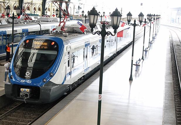 Grupo EFE exhibe sus nuevos trenes en Estación Central (Emol) 31144_8832_152364299